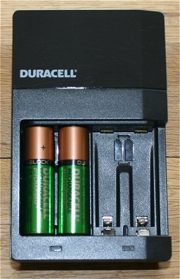 Duracell Battery Charger AA battery size