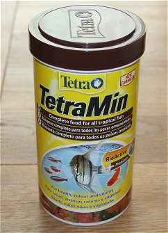 Tetramin bioactive tropical fish food