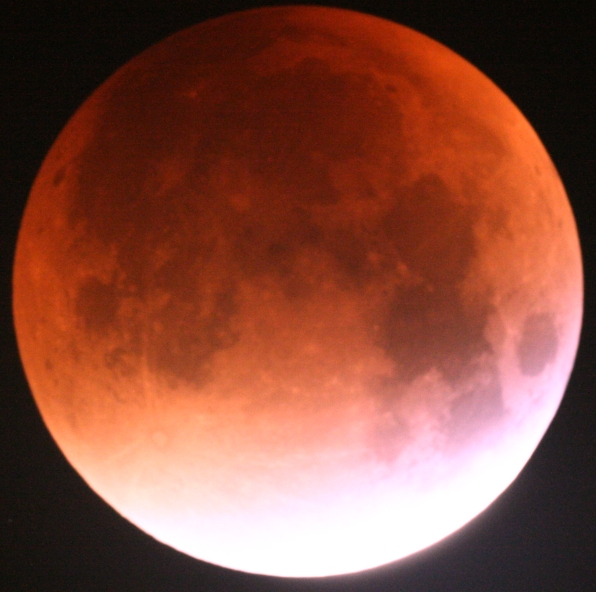 Review Skywatcher 200p - the lunar eclipse blood moon